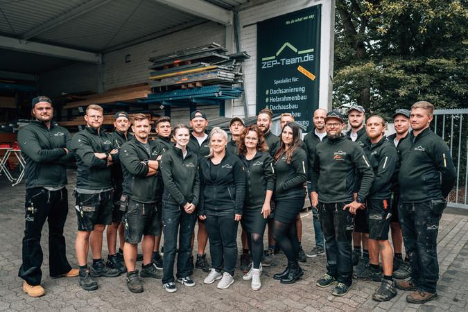 Die #zeparmy aus Bielefeld mit ihrem Anführer Eugen Penner (5.v.r.) Foto: © ZEP-Team