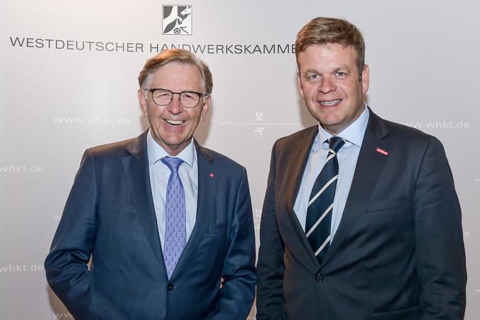 Hans Hund (l.) und Matthias Heidmeier engagieren sich gemeinsam für die Förderung des Ehrenamts. Foto: © WHKT