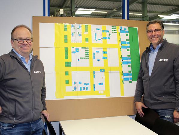 Produktionsleiter Bernd Vinken (l.) und Projektleiter Marc Solzbacher haben bereits etliche Prozessverbesserungen auf den Weg gebracht und noch weitere wesentliche Veränderungen im Blick. Foto: © Selve