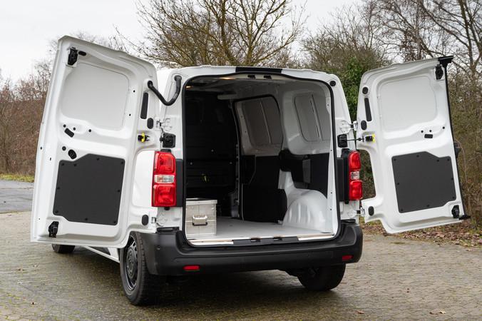 Den Citroën e-Jumpy gibt es in zwei Batterieversionen. Foto: © Martin Bärtges