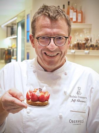 Jeff Oberweis entwickelt mit seinem Team in jeder Sasion neue Verführungen aus Schokolade, Marzipan und Trüffelcréme. Foto: © LFT_ThomasReinhardt