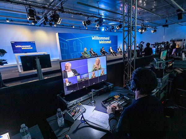 Über 300 Personen wirkten vor Ort an der Umsetzung des Live-Programms mit. Foto: © Messe Stuttgart