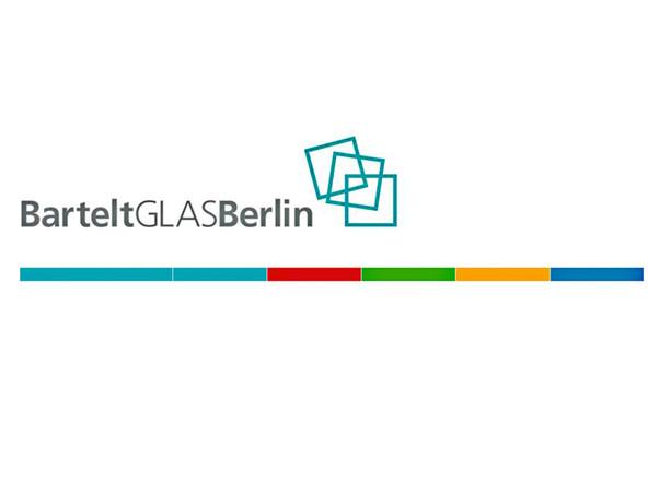 BarteltGlasBerlin verzichtet ab sofort auf bei der Auslieferung der allermeisten Glasprodukte auf eine zusätzliche Plastikverpackung. Foto: © BarteltGlasBerlin