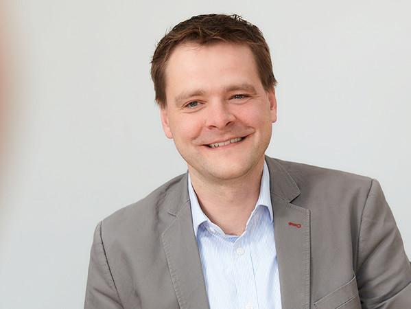 Mirko Müller-Stüler, Geschäftsführer Hunter Douglas Components: Es freut uns sehr, dass wir durch die Kooperation mit Loxone unseren Kunden die ganze Welt der Vernetzung zu eröffnen. Foto: © Hunter Douglas