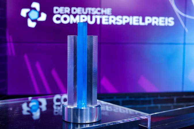 Die Trophäe des Deutschen Computerspielpreises. Foto: © Franziska Krug/Getty Images für Quinke Networks