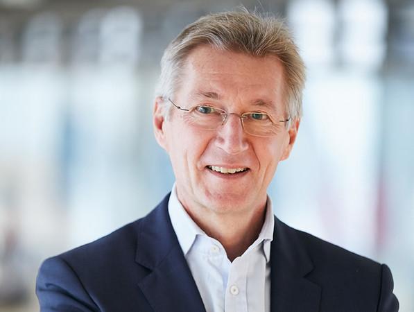Raimund Heinl, CEO Saint-Gobain Deutschland & Österreich, bewertet AEQUITA als einen guten Partner für die Zukunft der veräußerten Standorte. Foto: © Saint-Gobain