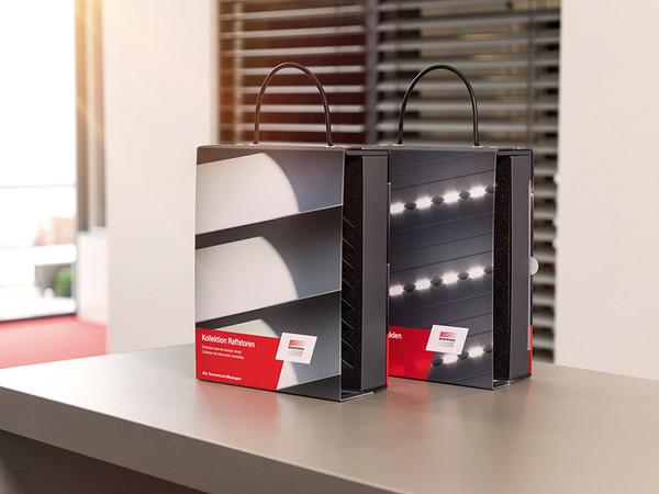 Die neue Kollektion besteht aus je einem handlichen Kollektionskoffer für Raffstoren und Rollläden. Foto: © Warema