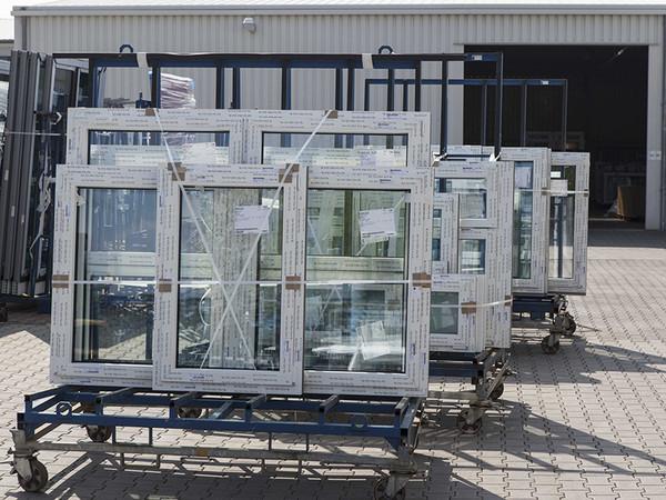 Über die Smartphone-App für die Bestellung von Transportgestellen können jetzt auch Recycling-Container geordert werden. Foto: © Winkhaus/Windor