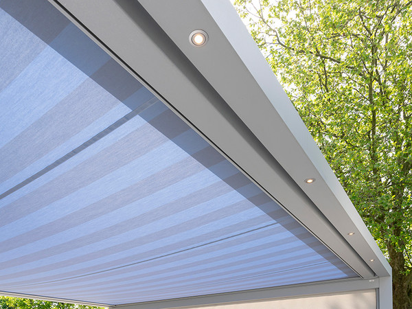 In das Trägerprofil integrierte LED-Spots ermöglichen individuelle Lichtintensitäten. Foto: © Nova Hüppe