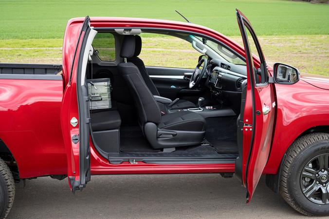 Der neue Toyota Hilux präsentiert sich mit integrierter B-Säule. Foto: © Martin Bärtges