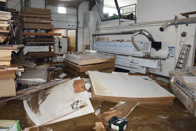 Schwer betroffen vom Hochwasser ist auch die Tischlerei Rönnefarth in Dernau. Foto: © Handwerkskammer Koblenz