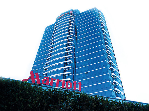 Für das Marriott Hotel wurden IG Einheiten mit dem Kömmerling Warme Kante System Ködispace 4SG sowie das SG Silikon Ködiglaze S genutzt. Foto: © H.B. Fuller | Kömmerling