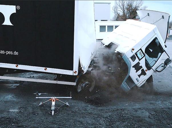Die Durchfahrtssperre hat die Fahrzeuganprallprüfung erfolgreich bestanden. Foto: © Michael Thomas GmbH