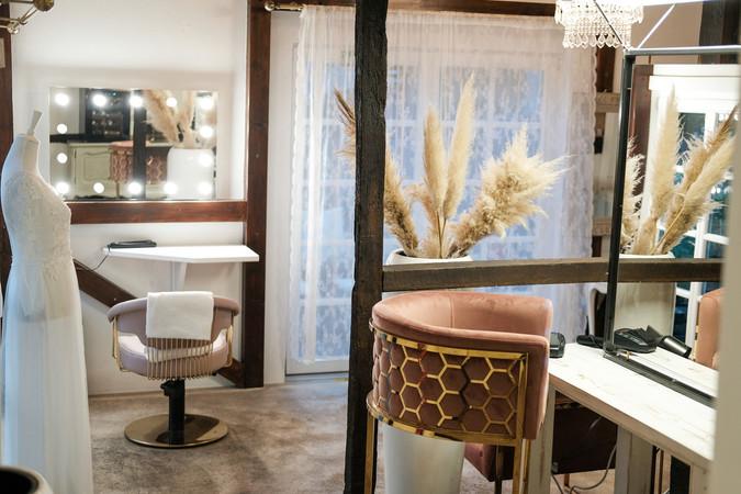 Der stylische Salon von Nadine Kasten befindet sich in einem historischen Fachwerkhaus. Foto: © RomanSchmid