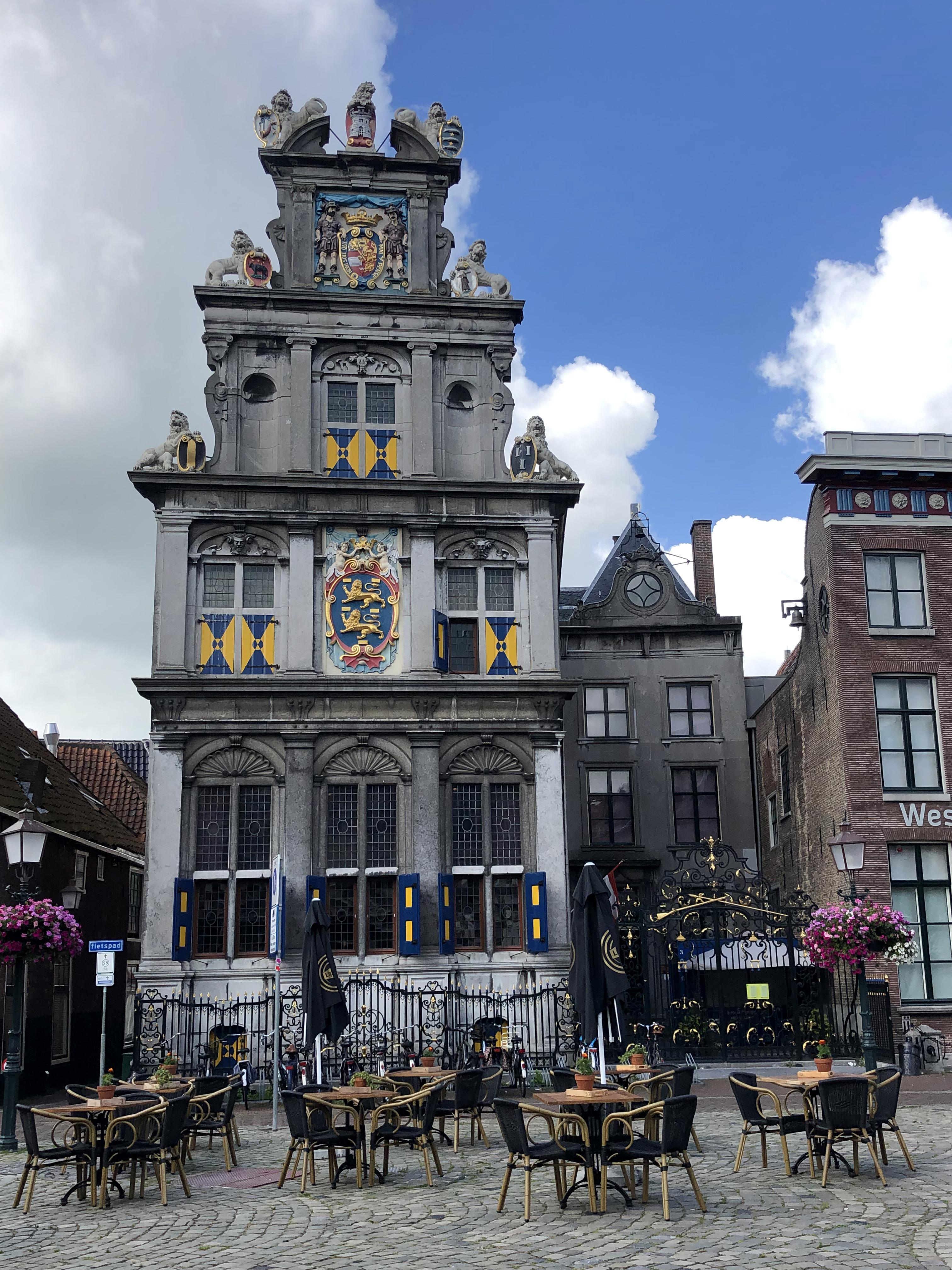 Hoorn zeigt sich auf der Entdecker- tour von seiner schönsten Seite. Die Stadt punktet mit einer ungewöhnlichen Architektur. Foto: © DHB