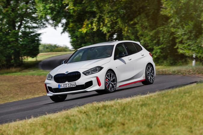 Der Zweiliter-Turbo im BMW 128ti entfacht viel Kraft Foto: © BMW