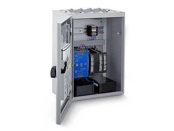 Geze erweitert mit der MBZ 300 N8 sein Angebot an Steuerungszentralen für Rauch- und Wärmeabzugsanlagen. Foto: © Geze GmbH