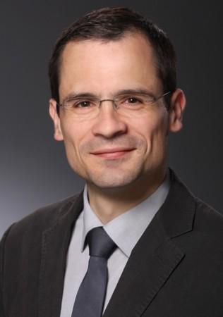 Volkswirt Dr. Jörg Thomä ist Autor mehrerer Studien um Thema Handwerk und Ehrenamt Foto: © Photostudios Blesius