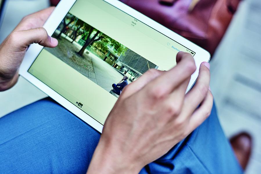 Responsive Design für alle Geräte: Optimale Webseiten-Darstellung auf Tablet und Smartphone.