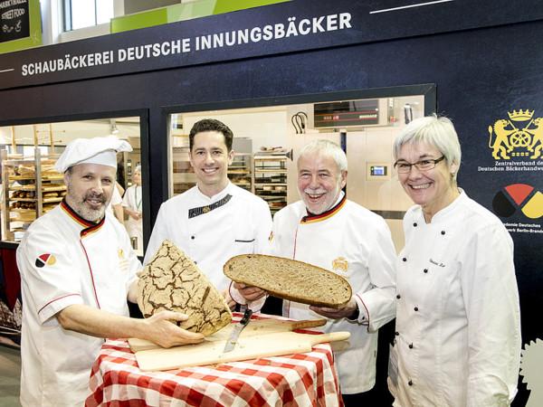 Siegfried Brenneis, Tobias Exner, Michael Wippler, Christa Lutum (v.l.n.r.) Foto: © Wolfgang Reiher